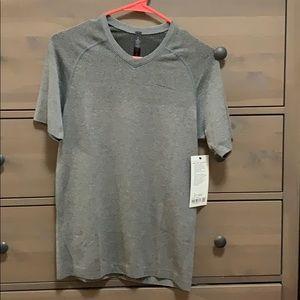 Metal Vent Tech SS V-Neck T Shirt - X-Small